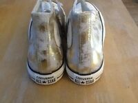 Convers AllStar High Top Trainers size 5