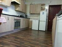 To Rent Roomshare Shareroom room 65pw bills included with wi-fi no deposit close bus dlr train...