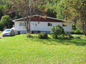 Maison à vendre avec grand terrain