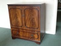 TV Cabinet in Mahogny