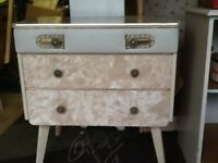 Vintage bedroom chest of drawers