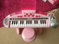 Kids elc piano and stool