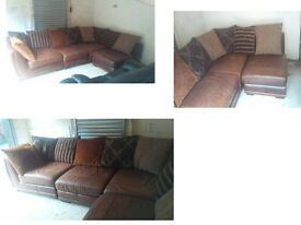 BROWN LEATHER BEAUTIFUL AND CHUNKY CORNER SOFA WITH LARGE SCATTER CUSHIONS ULTIMATE COMFORT