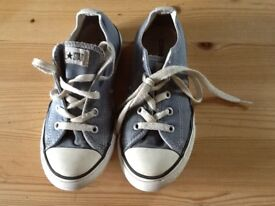 Childs Converse Trainers size 1
