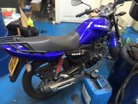 Sinnis Max 2 - Needs some work doing to it, Panels around the bike are loose, need replacing.