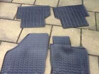 Audi q3 rubber floor mats