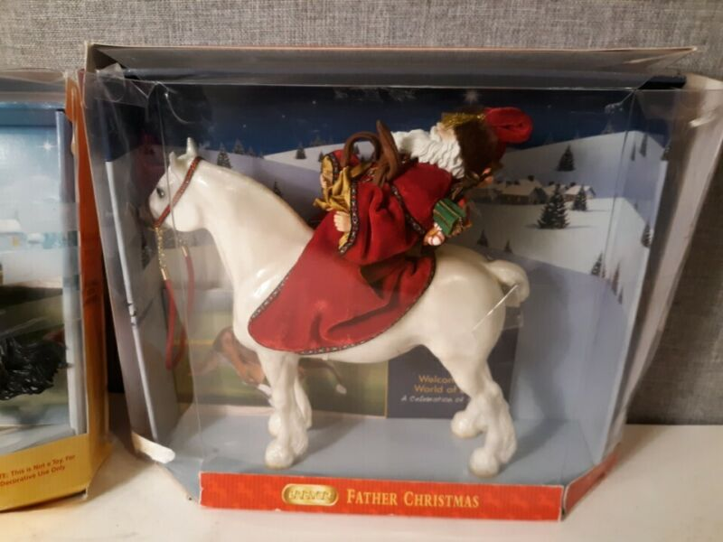 Breyer 700404 Father Christmas and Glittery Marabella with Box