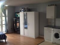 SPACIOUS OPEN-PLAN STUDIO FLAT WITH PRIVATE KITCHEN & BALCONY