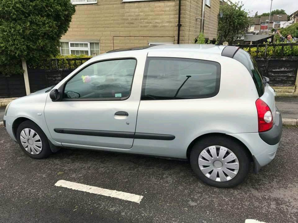 53 plate renault clio car for sale