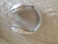 White Bluetooth wireless headphones