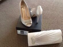 Silver Satin Shoes Size 5 Matching Bag Ambarvale Campbelltown Area Preview