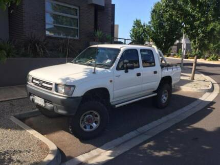 TOYOTA Hilux 2000 (2 INCH BODY LIFT)