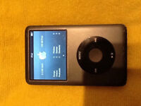Apple iPod Classic Video 7th Generation Grey 120GB MB565
