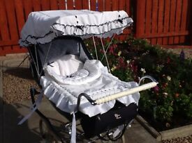Silver Cross Dolls Pram, Canopy, Silver Cross Bag & Matching Covers, Cat Net, very good condition.