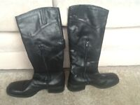 Lovely black boots size 40 new without tag