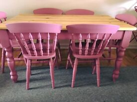 Beautiful pine 5ft dining table and 6 chairs