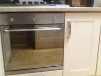 Selling integrated electric oven good clean working condition