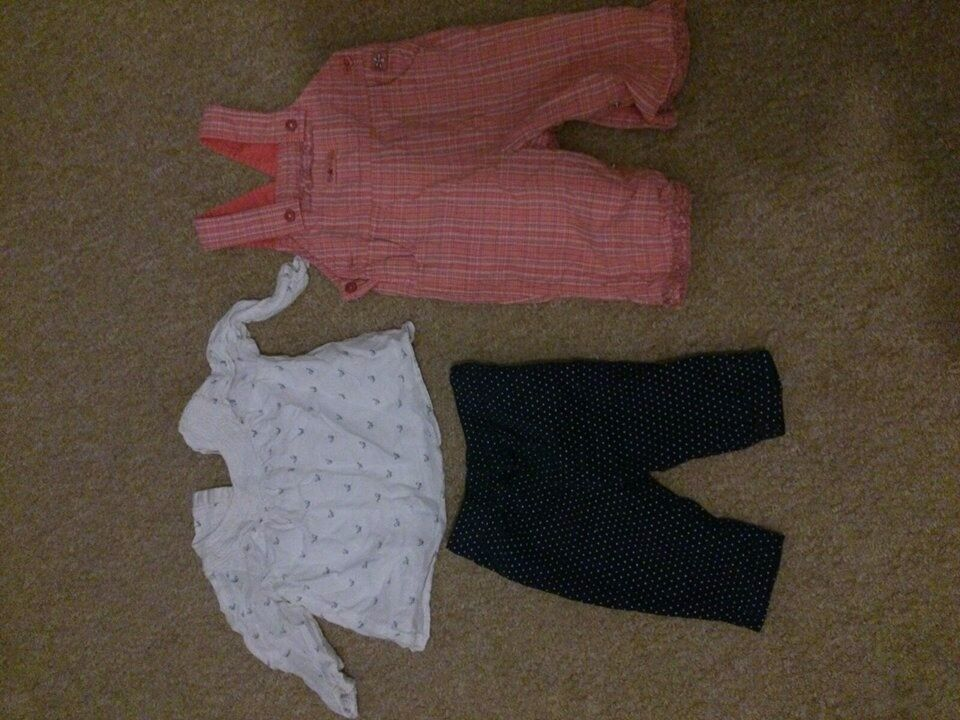 Massive 3-6 months girl clothes bundle 32 items only for £8