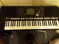 YAMAHA PSR S670 USED BUT IN NORNAL CONDITION.