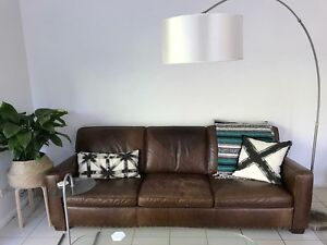 Freedom leather lounge Warriewood Pittwater Area Preview