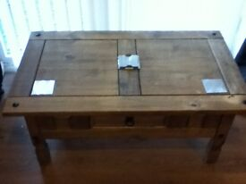 Coffee table and cabinet set