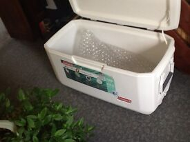 COLEMAN XTREME MARINE 6 DAYS COLD COOLER BOX 120 QUARTS 113 LITRES NEW NEVER USED BUT NO BOX