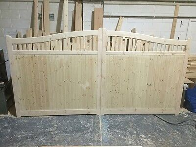 wooden driveway gates 6 ft x 8 ft wide lincolnshire swan neck gates