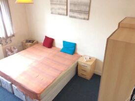 Lovely double room in a great house next to tube