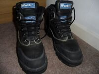 STEEL TOE CAPPED WORK BOOTS SIZE 7