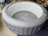 CleverSpa Oceana 6 Person Hot Tub A- (Used)