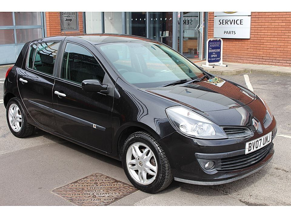 2007 renault clio dynamique 1 4 black sport petrol brand new mot 67k from new in ringwood. Black Bedroom Furniture Sets. Home Design Ideas