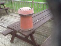 Chimney cowl and chimney pot