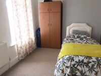 A double bedroom available to let in Rusholme Manchester £350 council tax /broadband included