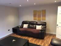 2 Bed Flat, The Auld Road, Village, Cumbernauld G67 2RQ. £400 p/c/m. £400 Deposit. No DSS. No Pets