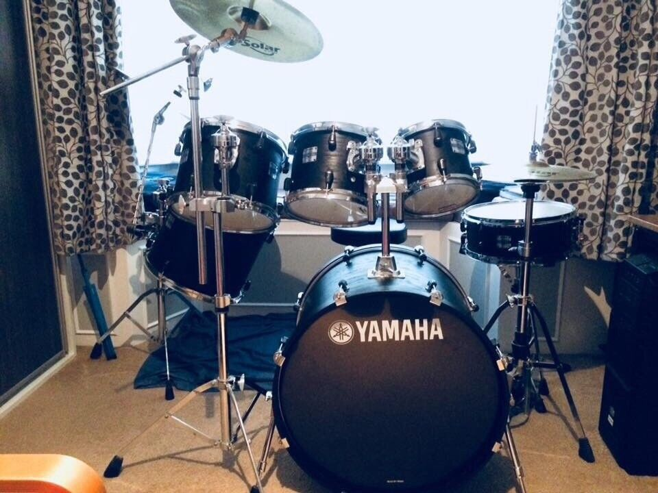 yamaha stage custom 7 piece drum kit cymbals double bass pedal accessories included in. Black Bedroom Furniture Sets. Home Design Ideas