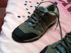 Men's walking trainers size 9