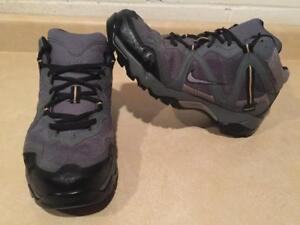 Men's Size 9 Nike Grey Gore-Tex ACG All-Trac Trail Hiking Shoes