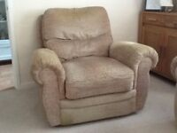 Large recliner arm chair.