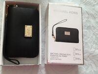 Genuine Brand new in box Michael Kors black zip Purse -£35