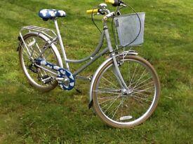 Brand new Kingston/ Cath Kidston ladies bike, 17 inch, vintage style with basket
