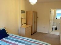 1 bedroom flat, bills included, partly furnished, with parking in Torquay, close to Torbay Hospital