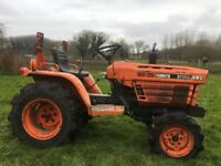 Kubota B7200 Mini Tractor with Anti Roll Bar & 3 Ft Topper & Sprayer For Sale £3500 ono