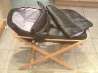 Carrycot and a foldable basket stand-£10 a set