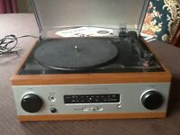 Turntable with radio