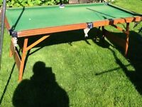 Freestanding Snooker/Pool Table Balls and Cue