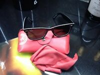 Ray Ban Wayfarer series 5 sunglasses with case and cloth,cost£115 new,bargain£30,local delivery