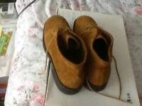 Clarks P honey tan brown suede leather boots