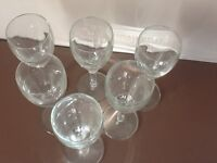 6 small clear glass sherry glasses in great condition