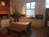 Two great double rooms available in spacious house