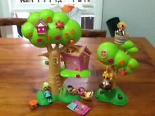 La la loopsy treehouse play set and 4 dolls Monbulk Yarra Ranges Preview